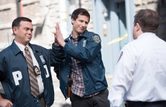 Brooklyn-Nine-Nine-Season-1-Episode-9-Sals-Pizza-3-550x367[1]